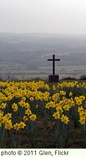 'Cross on the hill, nr Kemsing, Kent' photo (c) 2011, Glen - license: http://creativecommons.org/licenses/by/2.0/