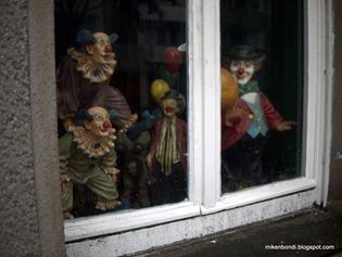 Spooky clowns