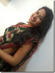 sadhika_in_saree_unseen_pic