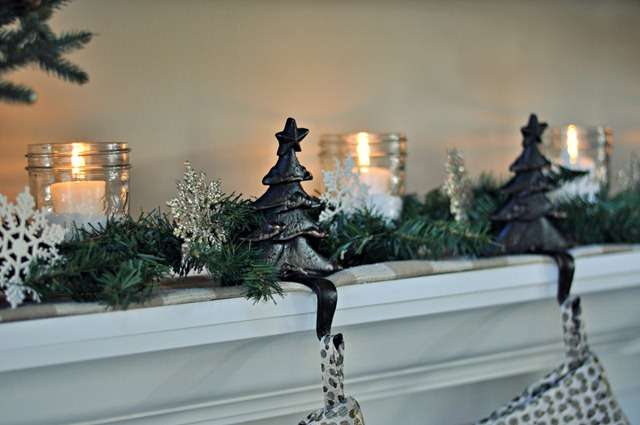 Decor and the Dog Holiday Mantel 4