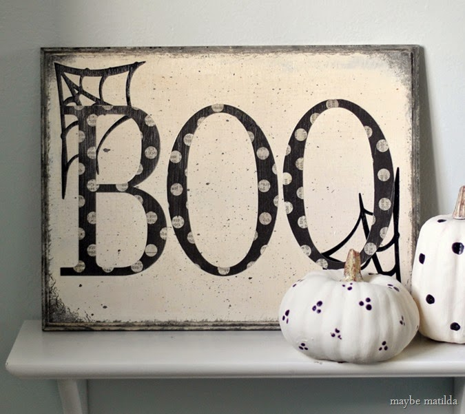 10 minute Halloween BOO sign