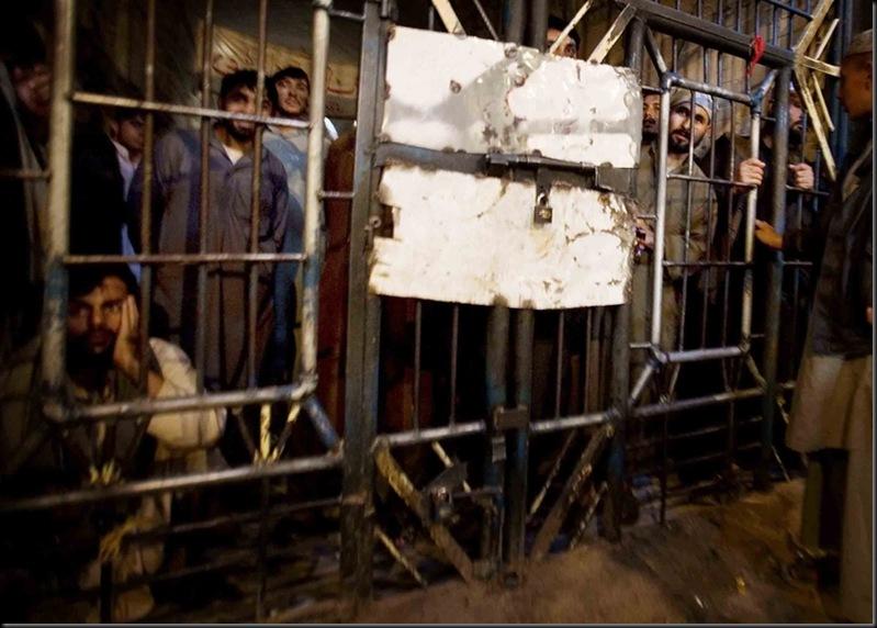 La prison de Kandahar regorge de suspects taliban.