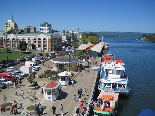 Looking over Valdivia's Muelle Shuster on the Calle-Calle river.