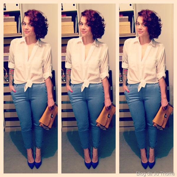 look calça estampada, camisa branca, bolsa amarela e sapato azul (2)