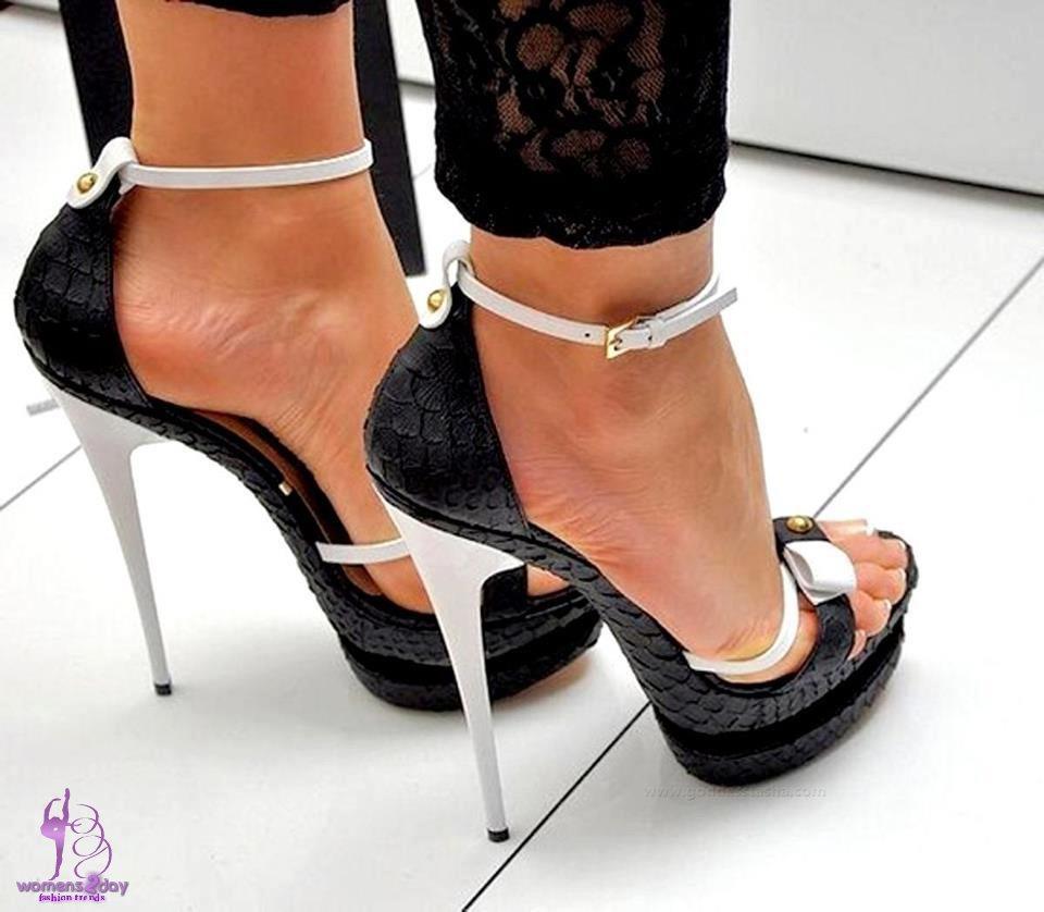 High heels babe porn photos