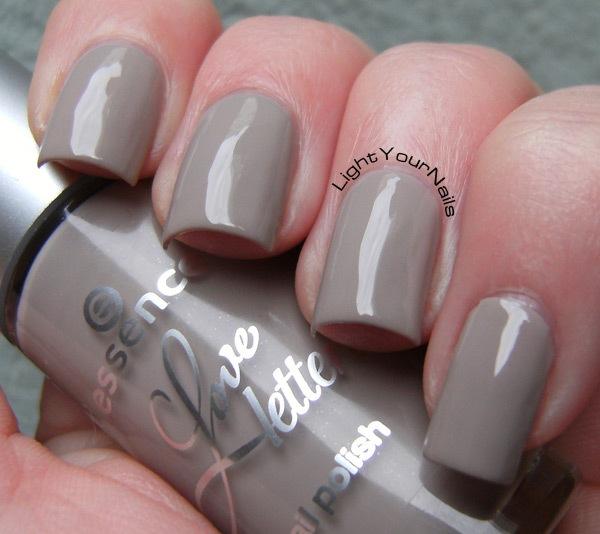 Essence Love Letters TE: Grey-Headed Lovebird