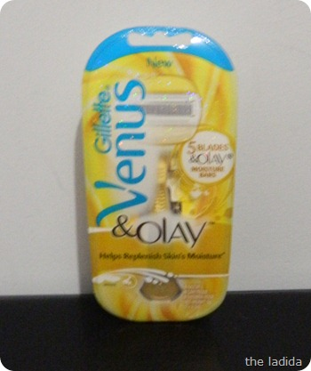 Gillette Venus and Olay Razor with Moisture Bars (5)