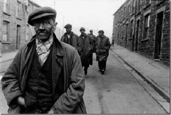 Caerau, Wales 1953 © Robert Frank