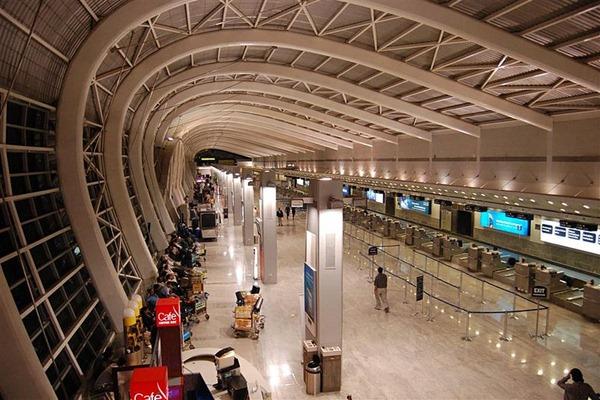مطار مومباي الدولي