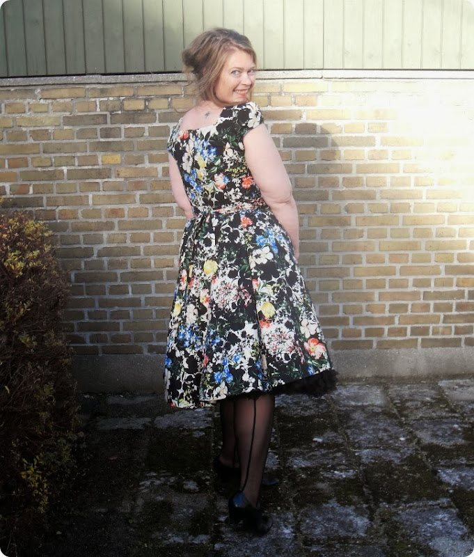 PinUp ... med swing dress og strutskørt...