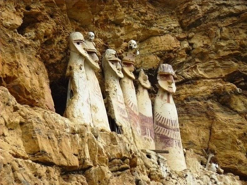 sarcophagi-karajia-4