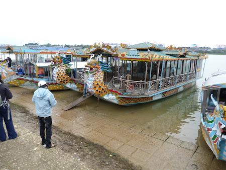 85. barci Hue.JPG