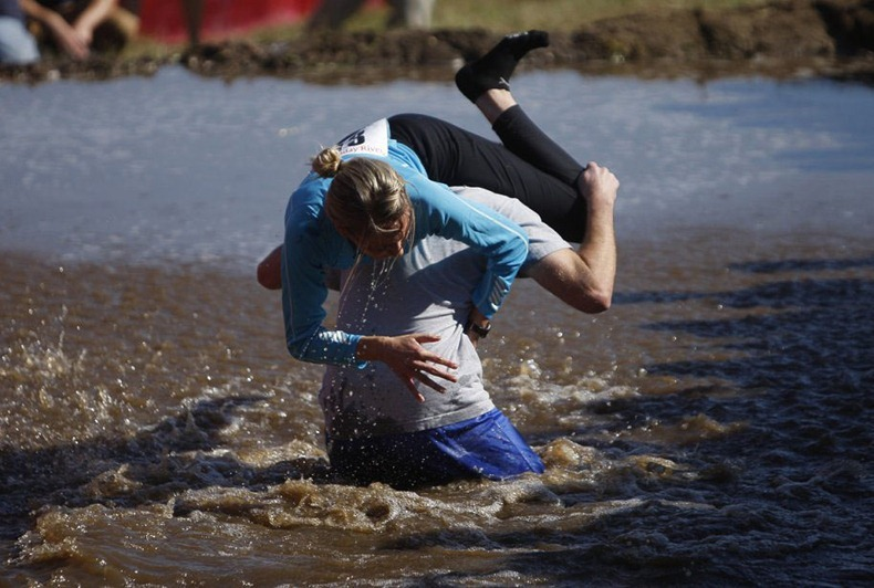 wife-carrying-chamionship-3
