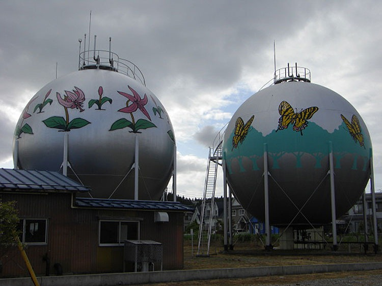 decorated-gas-tanks-japan-8