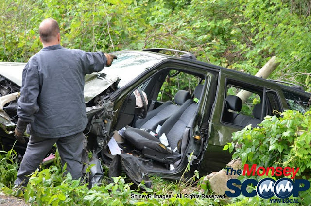 MVA With Entrapment On S. Mountain Rd - DSC_0068.JPG