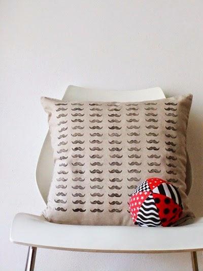 cuscino baffi