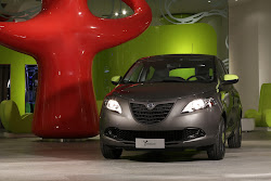 Lancia-Ypsilon-Elefantino-6%25255B2%25255D.jpg
