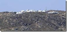A maioria das Cíclades é rochosa e árida, e Mykonos é uma dessas ilhas com tais características.