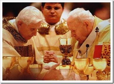Joao Paulo II e Bento XVI
