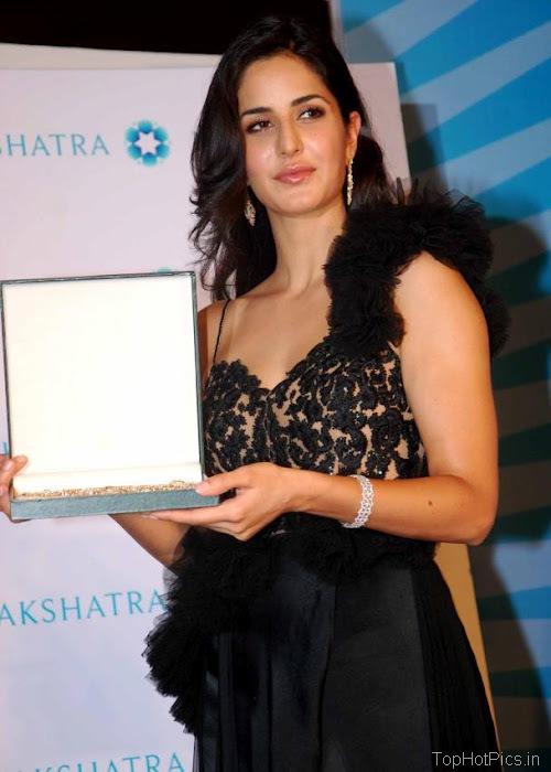 Katrina Kaif Beautiful Pics in Black Lace Dress 1