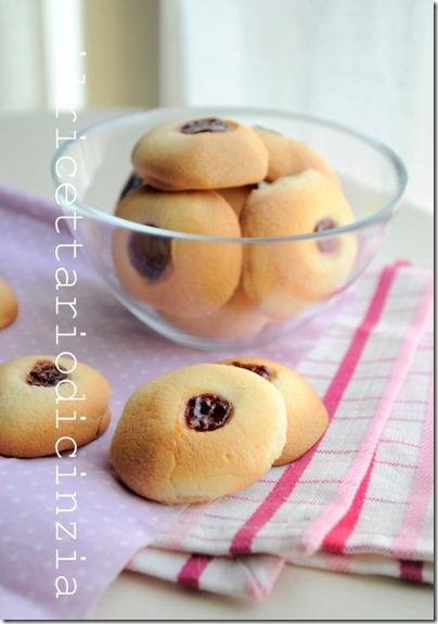 le tettine, biscottini alla confettura di lamponi