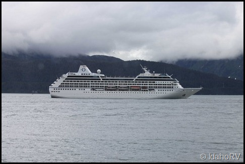 Cruise-Ship-Leaving-7