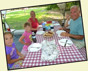 07 - Dinner taste better outside