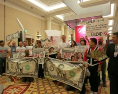 2928788cGilead_USCA_2012_Vegas_actions_pix1