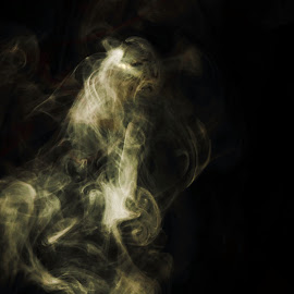 ghost by Jim Oakes - Abstract Patterns ( blacklit, sunlight, daylight )