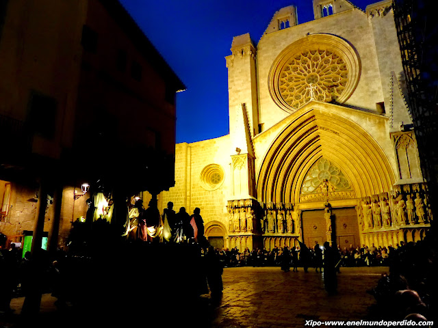 procesion-santo-entierro-catedral-tarragona.JPG