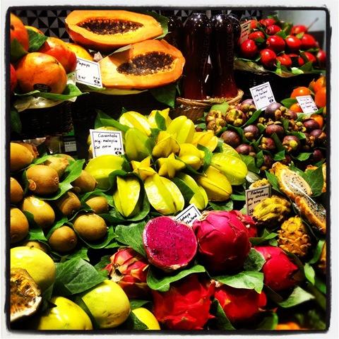 tropical fruit at la Boqueria
