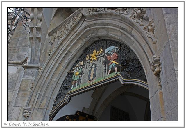 Entrance Neues Rathaus Munchen copy