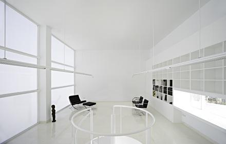 diseño-interior-blanco-casa-moderna