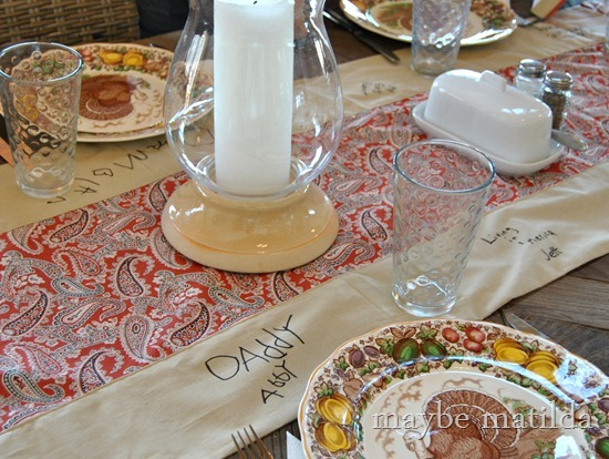 Make a Grateful Table Runner for Thanksgiving