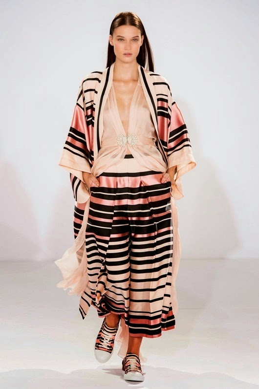 Temperley London Spring 2015 K1a6GuGqxyBx
