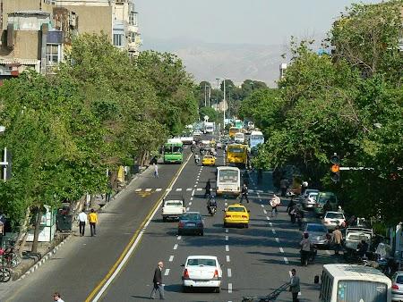 03. Bulevardele din Teheran.JPG