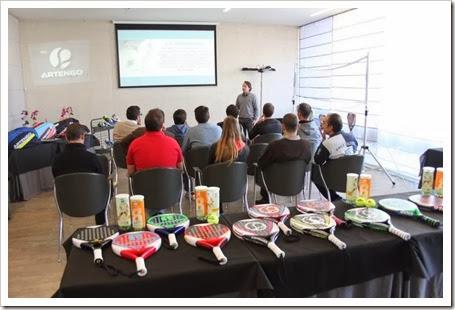 Fernando Alonso, jefe de mercado internacional de Pádel ARTENGO presentando la nueva colección pádel 2013-14
