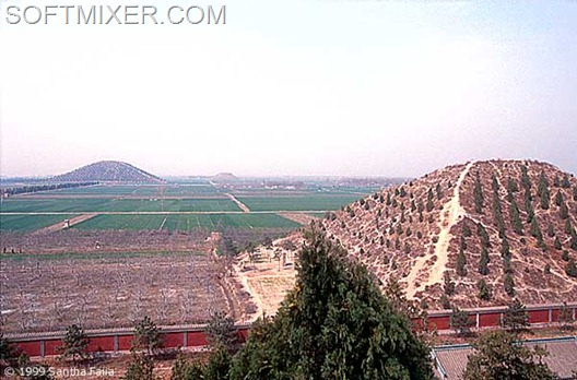 7058d1304021533-xian_pyramid