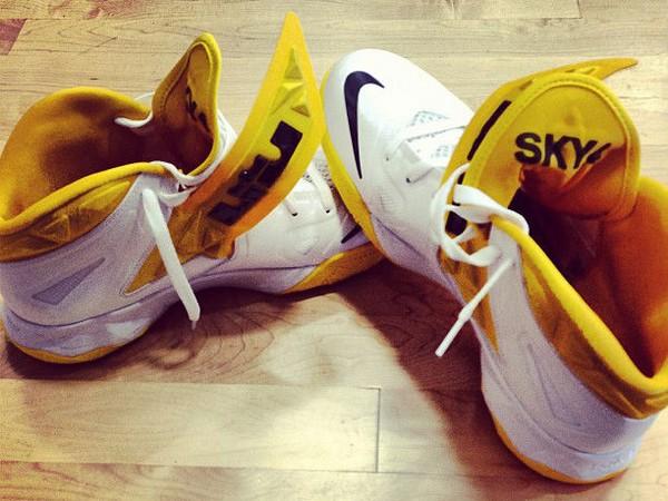 Skylar Diggins8217 Nike Zoom Soldier VII 7 Tulsa Shock PE