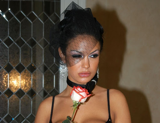 ... Angelina Valentine Pictures And Videos - Download Gambar dan Wallpaper