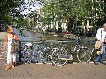 Bicicletele - principalul mijloc de transport din Amsterdam
