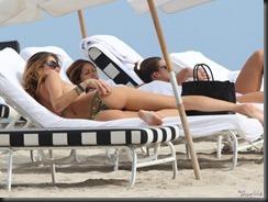aida-yespica-bikini-0123-17-900x675