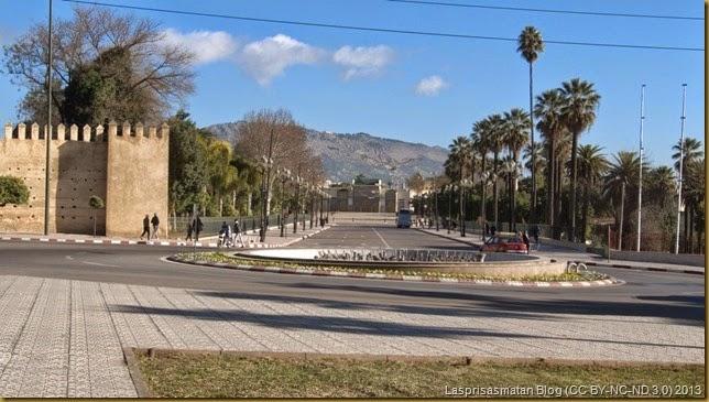 Llegando a la Plaza de los Alauitas