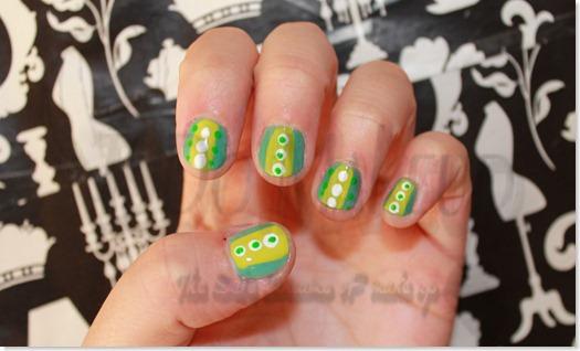 Decoracion de uñas verdes 1