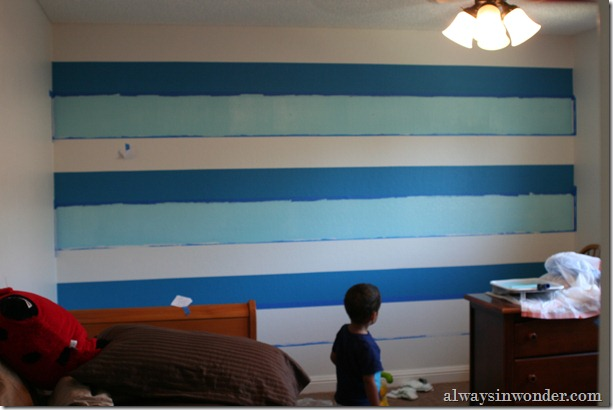 Painting_stripes_on_a_wall (17)