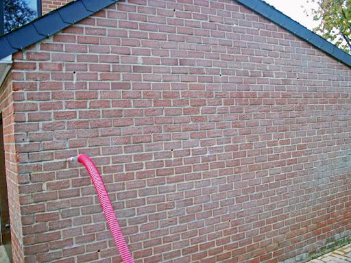 Laine insuffler pour la post-isolation des murs creux