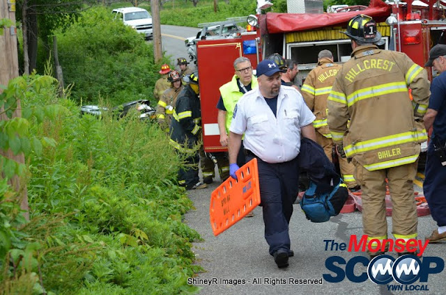 MVA With Entrapment On S. Mountain Rd - DSC_0040.JPG