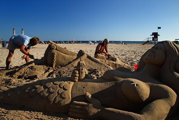 Esculptura de sorra a la platja Prat del RegueralCambrils, Baix Camp, Tarragona