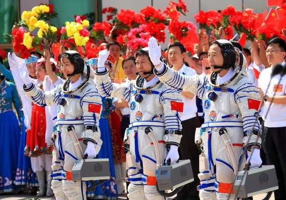 Shenzhou- Liu Yang_02