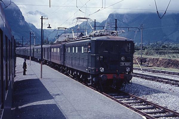 trainsdumidi04.com